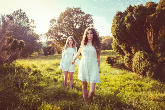 041015 DK Two Girls 02_ Lasse Hoile